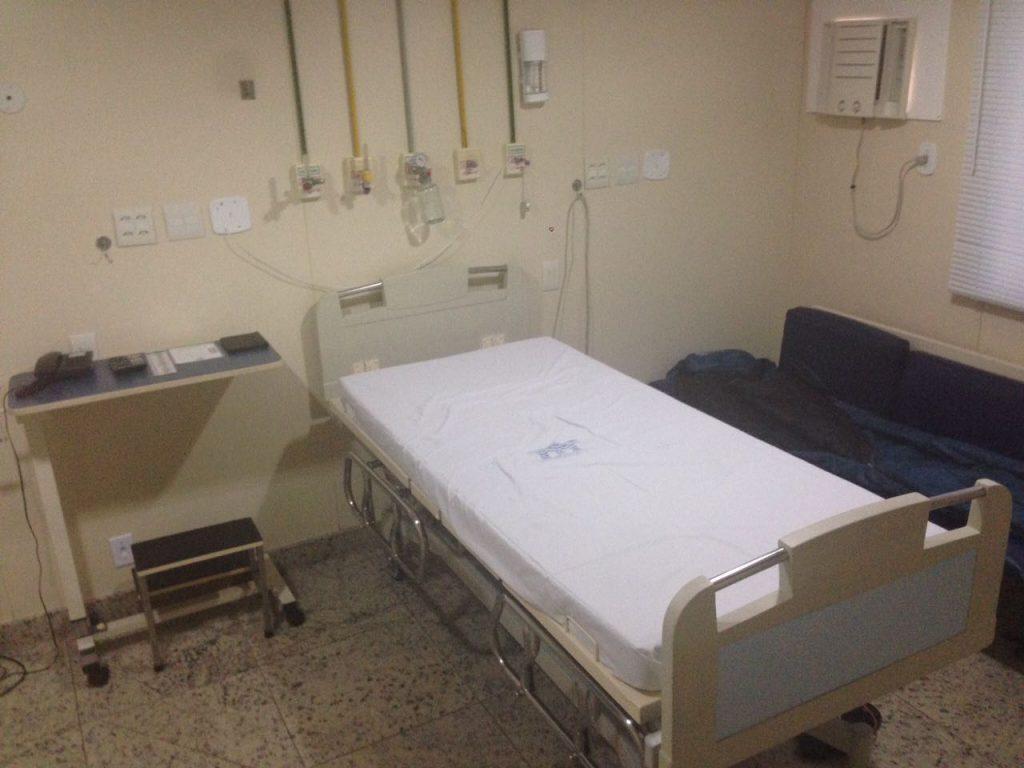 Foto van het ziekenhuisbed van Lucas